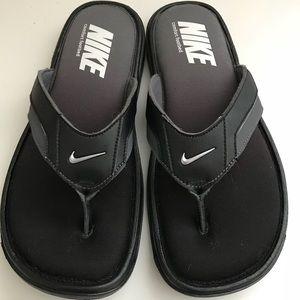 Brand New NIKE Flip Flops Size 10